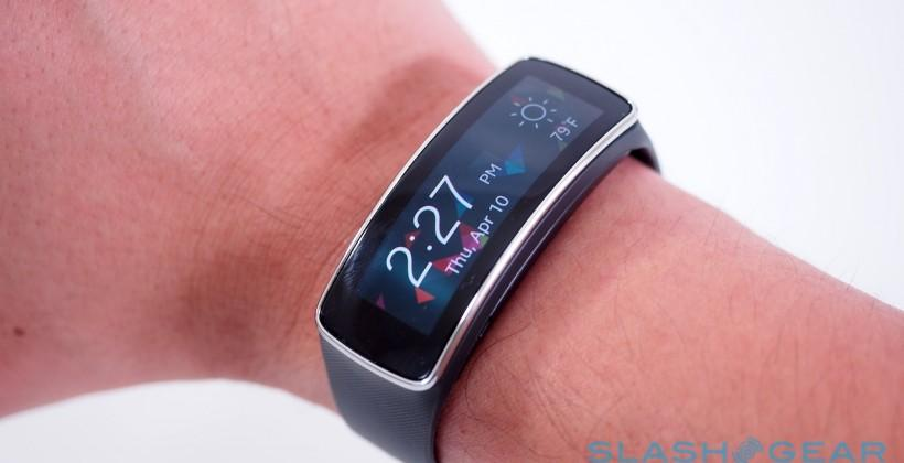 Samsung Gear Fit: 5 things we love (and one we hate)
