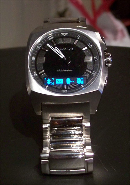 Fossil FX6001 Bluetooth Watch: Expensive hunk of metal