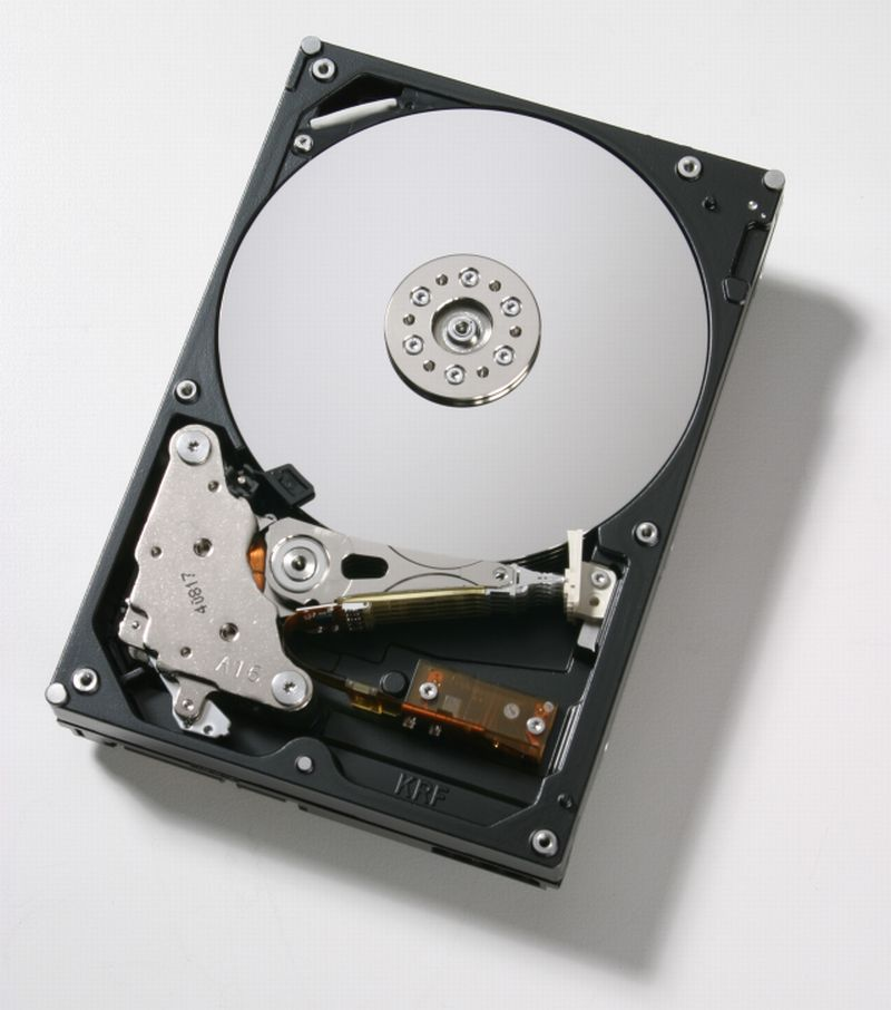 TechRestore puts 500 Gigabyte hard drive on MacBook or MacBook Pro