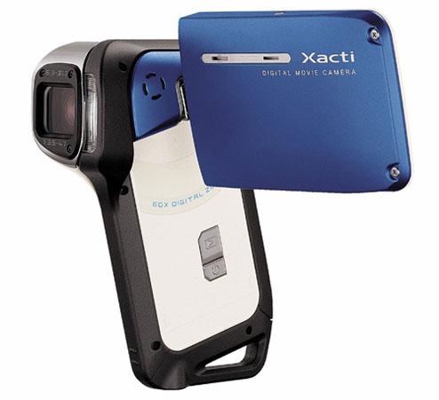 Sanyo Xacti E2 is waterproof and pocket-sized