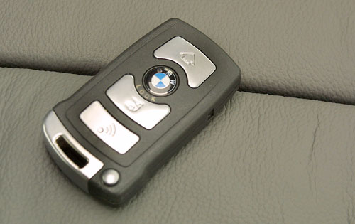 BMW key-card unlocks car & works as contactless payment system