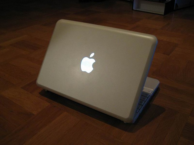 MacBook Mini mod gives netbook mistaken identity