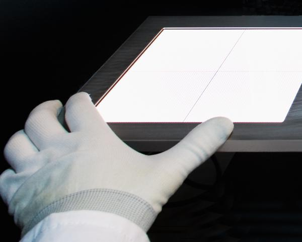 OLED touch-controllers promised by Fraunhofer IPMS