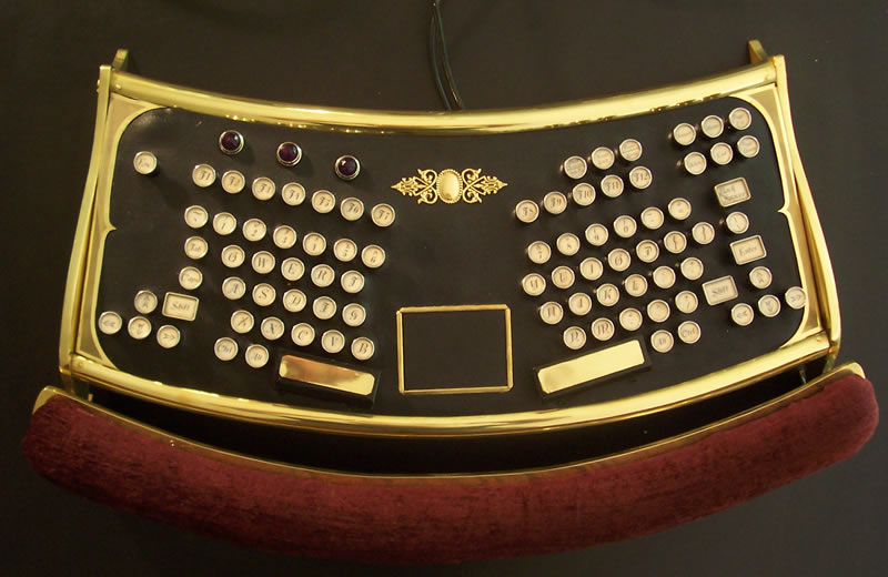 datamancer_ergo_keyboard_2.jpg