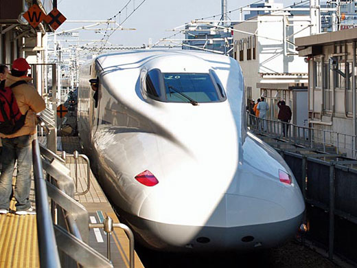 Japan's bullet trains will have Wi-Fi in march
