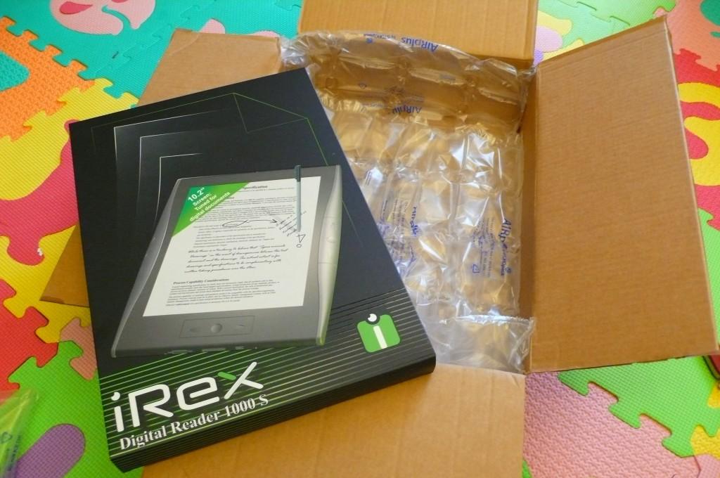 iRex Digital Reader 1000S gets hands-on: decent display, slow CPU