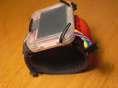 Arduino wristwatch plays Pong