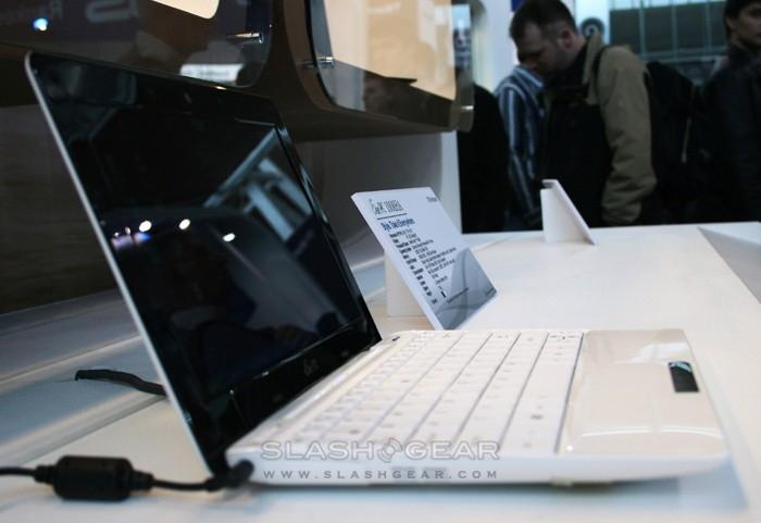 ASUS Eee PC 1008HA hands-on & Eee Docking bar