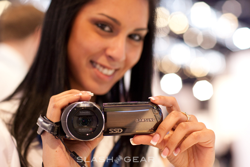 Samsung Camcorder gets video intro, SSD-based HMX-H106 and world's smallest Full HD HMX-R10