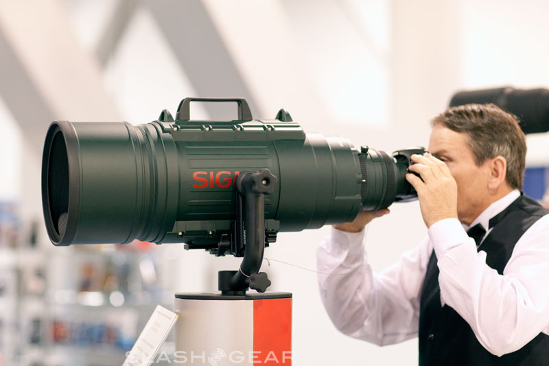 SigZilla 200-500mm F2.8 incompatible with 5D Mark II ?