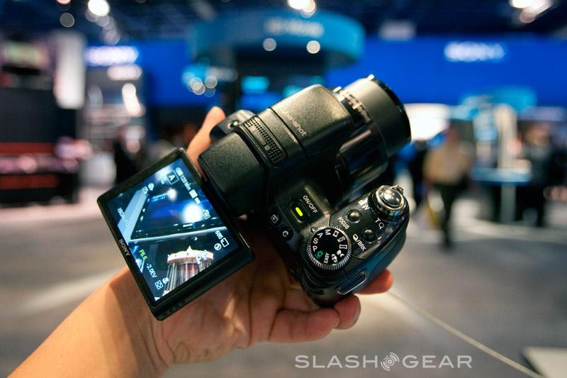 PMA 2009 : Sony DSC-HX1 gets video intro, Sweep Panorama demo