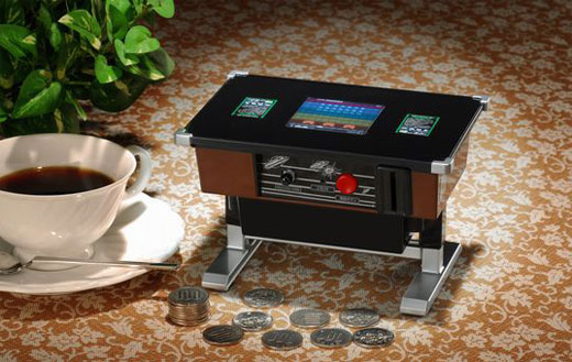 Space Invaders Piggy-Bank with real gameplay