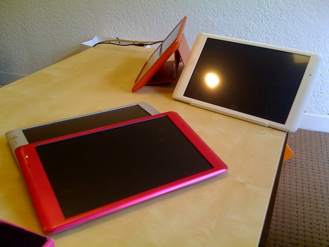 Crunchpad Tablet pictures leaked