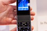 ctia-2009-decomo-separate-phone-3
