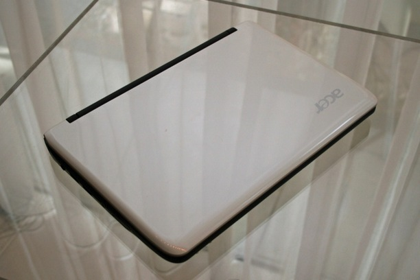 acer_aspire_one_751_netbook_3