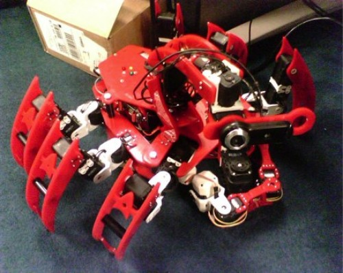 Chiara Robot with WiFi b/g, articulated claw & Pico-ITX brain [Video]