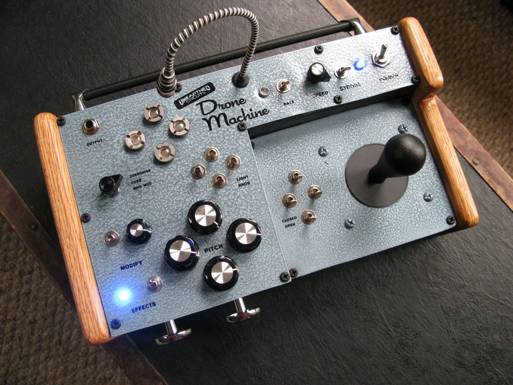 Unearthed Circuits DIY Drone Machine synth with arcade