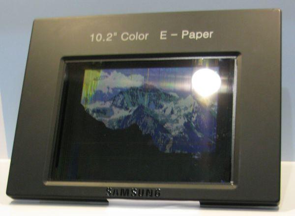 Samsung demo Hybrid e-ink video display