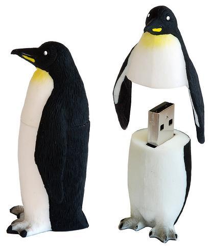 Active Media WWF Penguin flash drives