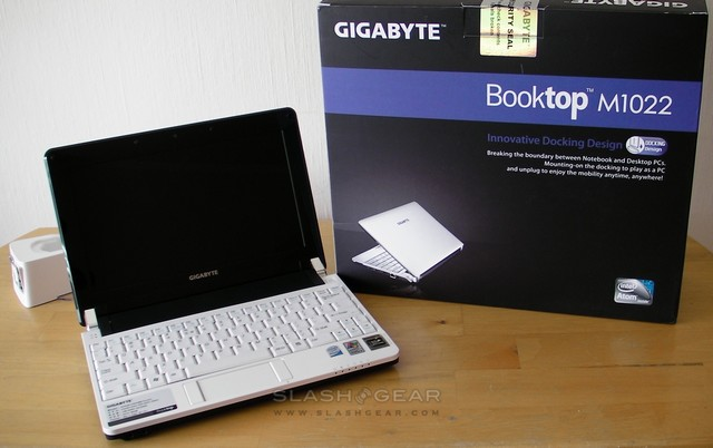 Gigabyte Booktop M1022 netbook review