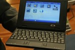 DataWind UbiSurfer: 7-inch netbook with bundled GPRS internet