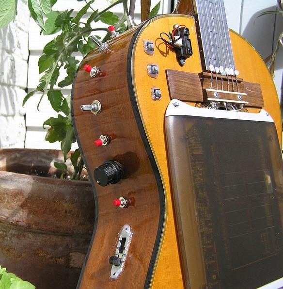 La Guitare à Crayon: Wacom meets acoustic guitar [Video]