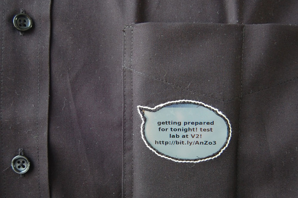 Pocket Tweet app turns your shirt into a Twitter bubble