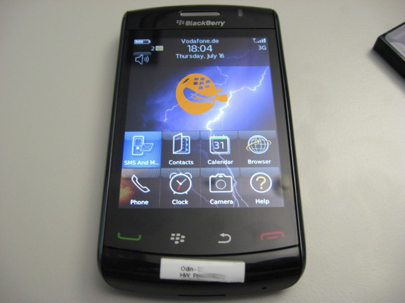 Vodafone BlackBerry Storm 9520 spotted in wild with WiFi