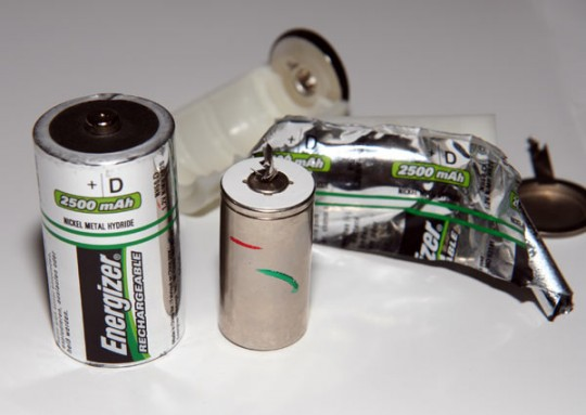 Energizer 'D' rechargeable battery cracked open: cheaper, low-power AA lurks inside