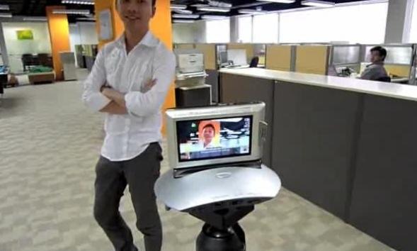 Sony Party-shot auto digicam dock gets video demo