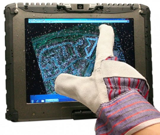 Getac V100 Tablet PC gets glove-friendly multitouch display