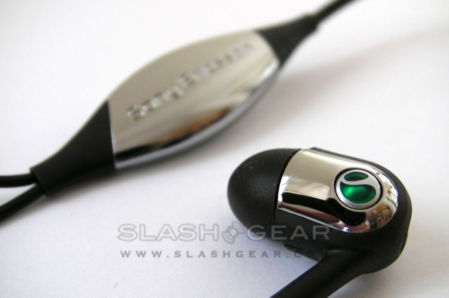 Sony_Ericsson_MH907_SensMe_Headset_SlashGear_Review_4