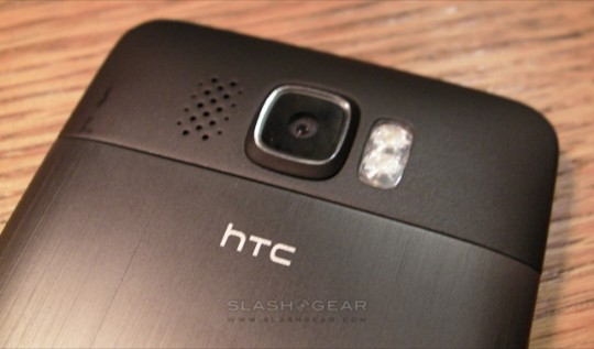 HTC HD2 update fixes camera distortion issue