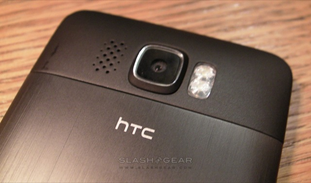 htc_hd2_slashgear_hands-on_10