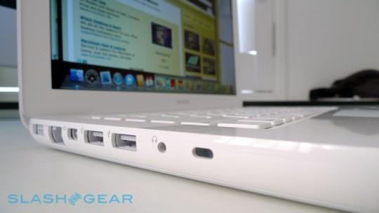 macbook-unibody-white-poly-10-r3media