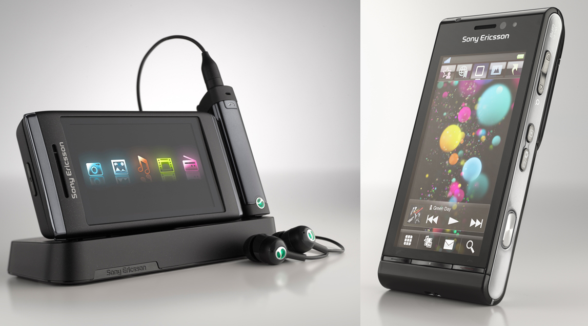 Sony Ericsson Satio and Aino finally hitting shelves