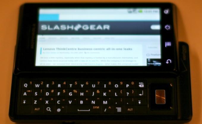 Verizon DROID by Motorola hands-on