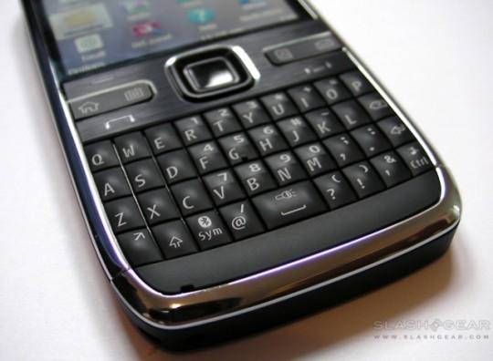 Nokia_E72_SlashGear_Review_3