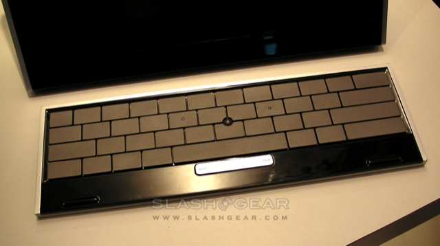Quanta Android Smartbook hands-on plus Qualcomm tablet prototype [Video]