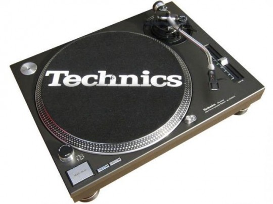 Technics 1200 & 1210 turntables not facing axe; 2009 vinyl sales up 35% on 2008
