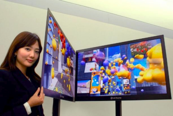 LG shows off scant 2.6mm thick 42-inch LCD