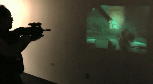 Microvision FPS prototype straps pico-projector to gun [Video]
