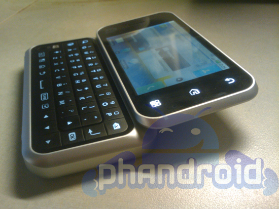 Motorola MB300 Backflip/Enzo leaks: MOTOBLUR, odd form-factor and AT&T