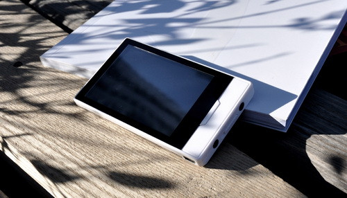 MSI MT-V660 PMP looks to Zune HD for design inspiration