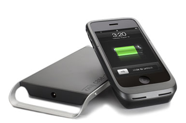 Case-Mate Hug charges iPhone with no wires