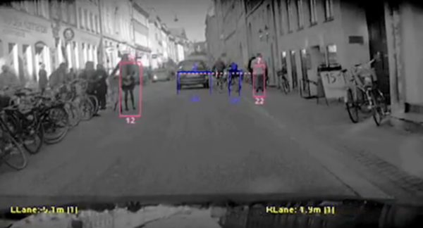 Volvo S60 possesses intelligent 'Pedestrian Detection' technology, brakes automatically [Video]