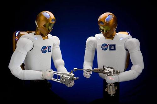 GM and NASA team up on Robonaut 2 humanoid robot