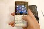 Sony Ericsson Aspen captured on video, running WinMo 6.5.3 [Video]