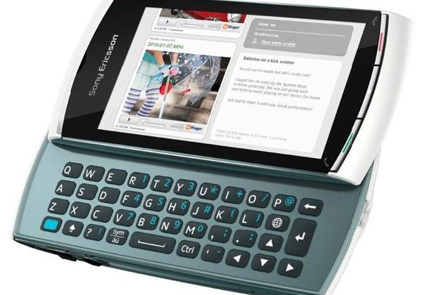 Sony Ericsson Vivaz pro adds QWERTY, drops a few megapixels