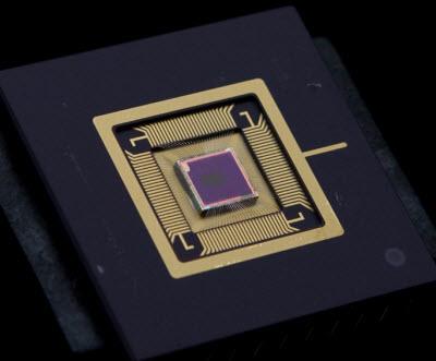 InVisage QuantumFilm promises 4x cameraphone sharpness [Video]